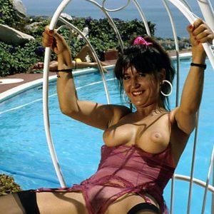 Bangladesh girl having phone sex on swing